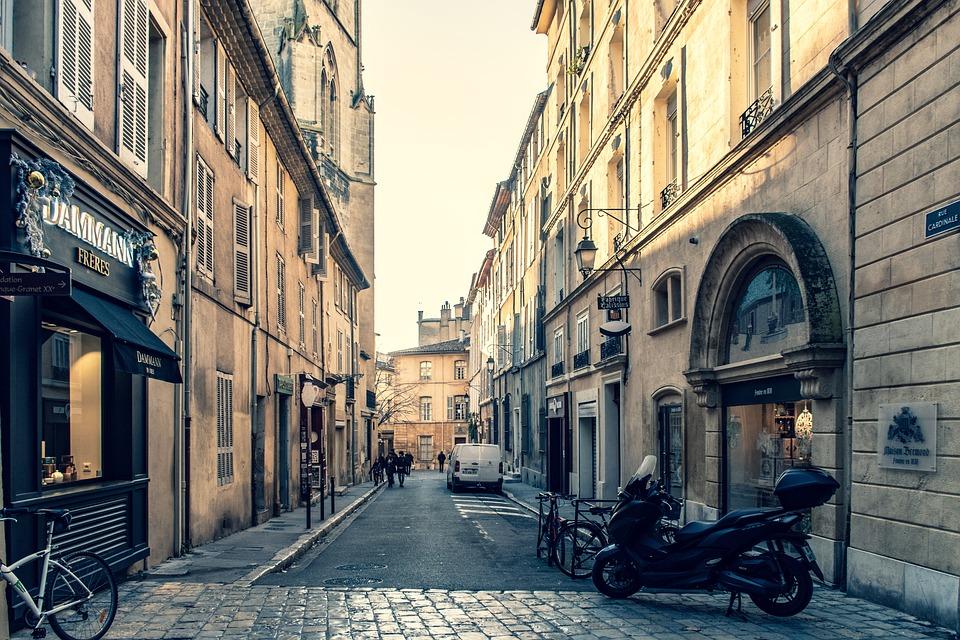 Comment conduire une moto en France