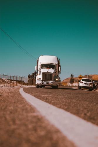 Quelles sont les différentes typologies de métiers dans le secteur du transport ?