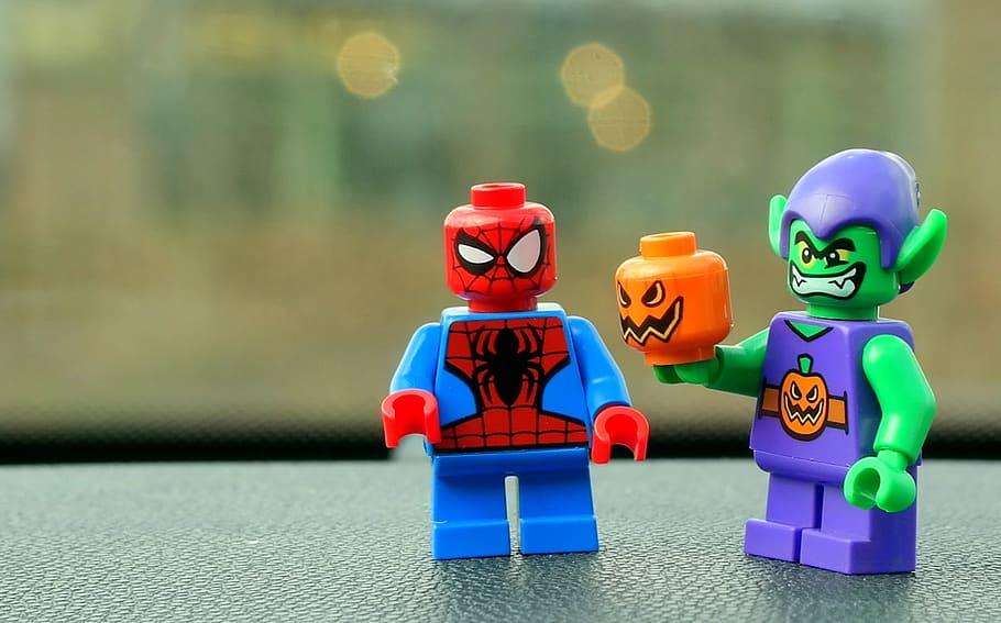 Figurines et jeux de construction: Des moyens de divertissement pour enfants et adultes